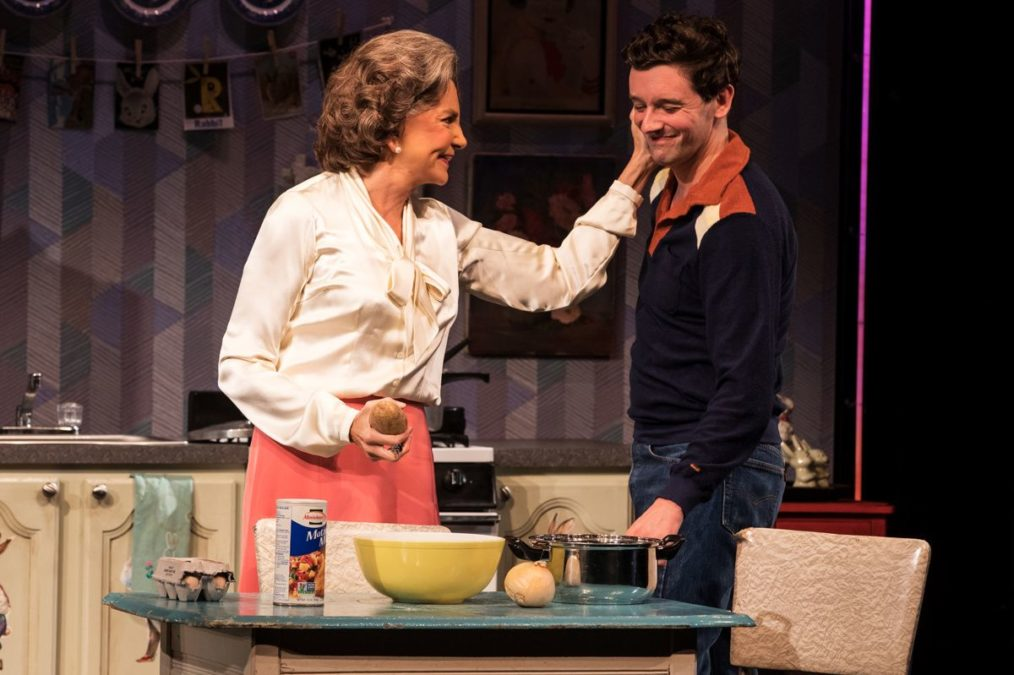 Show Photos - Torch Song - Broadway - 10/18 - Mercedes Ruehl - Michael Urie - Photo: Matthew Murphy